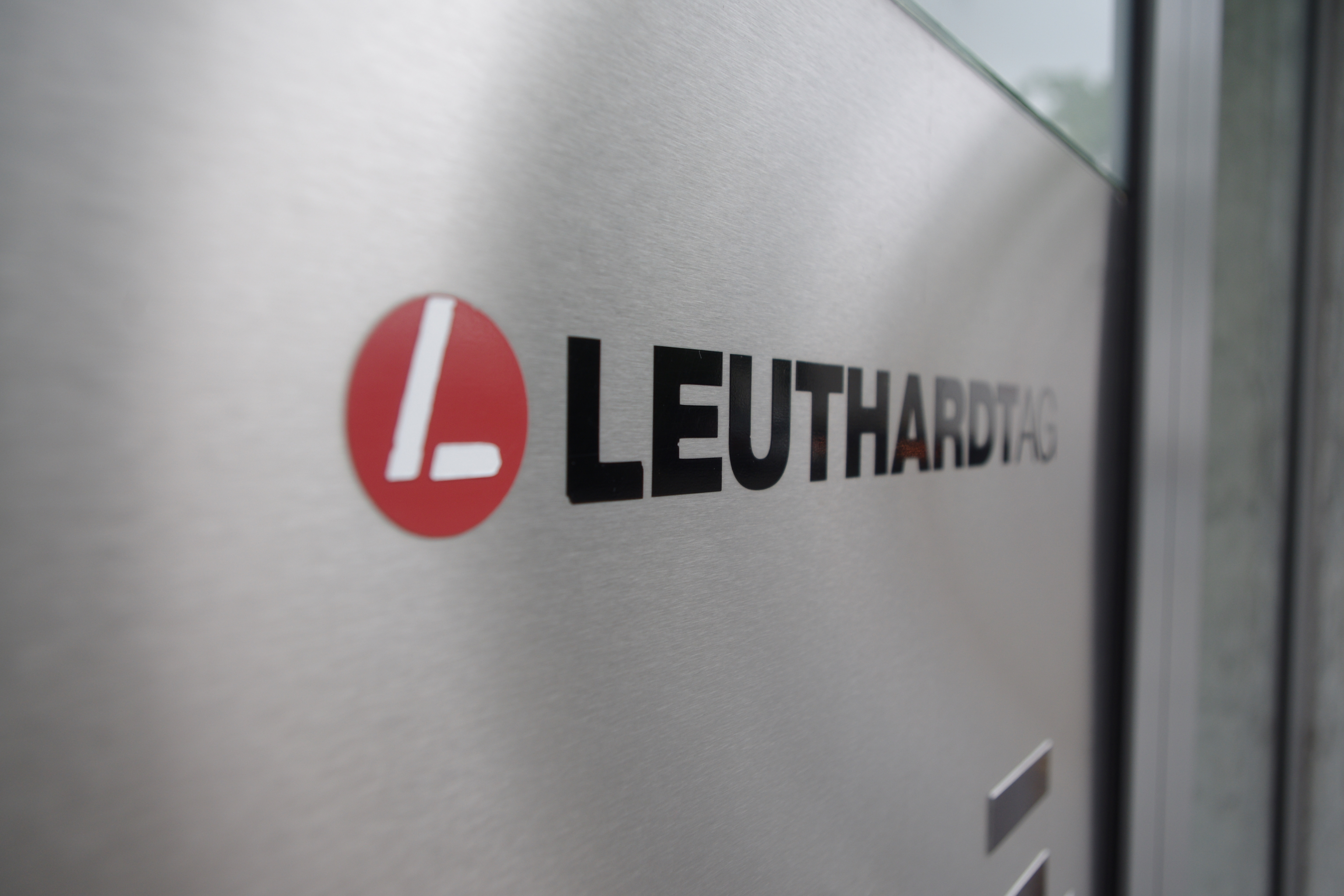 Logo Leuthardt Etiketten Druckerei