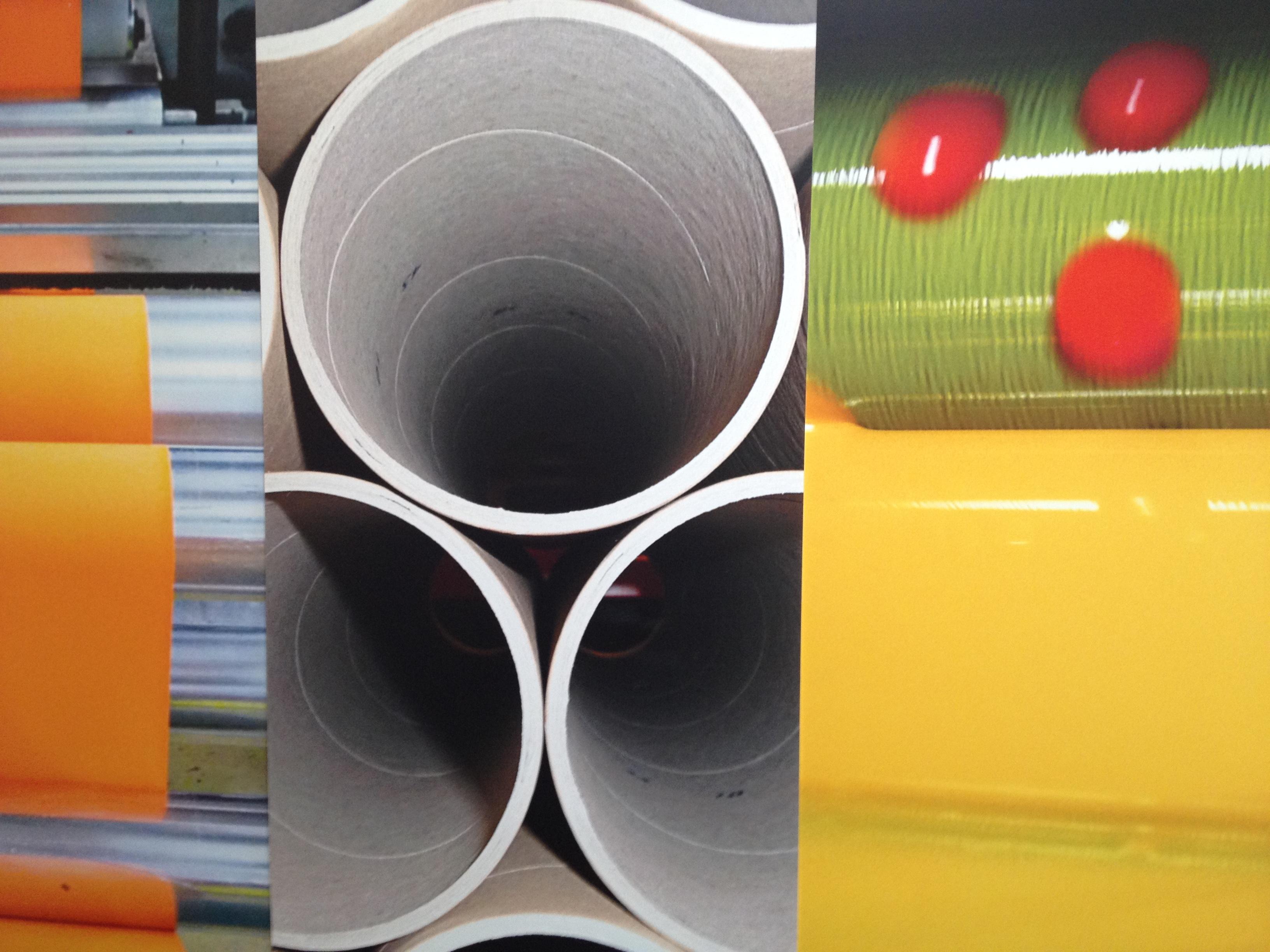 Karton Kern, Farbe, Klischee in eine Etiketten Fabrik